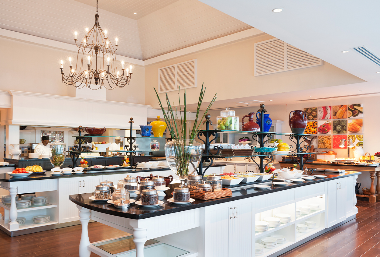Buffet area with chefs at The Body Holiday