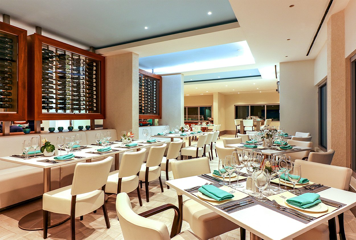 Dining area at The Harbor Club