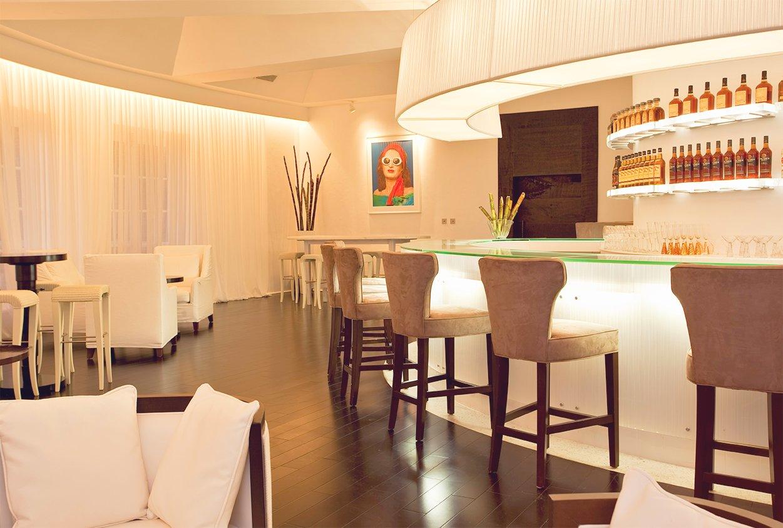 Bar and seating at Viceroy Sugar Beach
