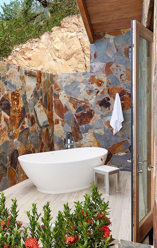 Outdoor Bath - crop2