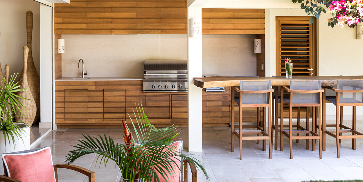 Summer Kitchen with teak wood and floating table